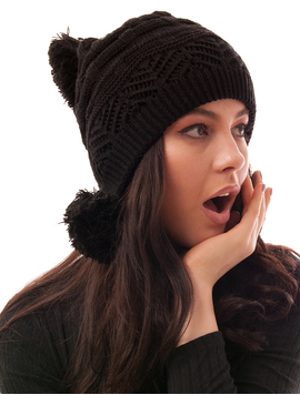 Caciula Tricotata Cu Trei Ciucuri Neagra