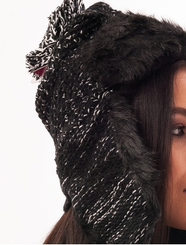 Caciula Tricotata Cu Urechi Si Blanita Neagra