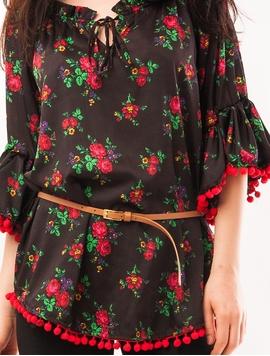 Bluza Dama Cu Model Floral, Ciucuri Si Curea Negru Si Rosu
