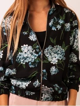 Jacheta Dama Cu Imprimeu Floral Negru Si Albastru