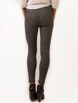Pantaloni Dama Stil Colant Cu Imprimeu In Zig Zag Alb Negru