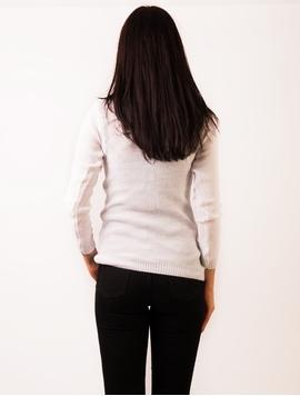 Pulover Dama Cu Model In Fata Alb