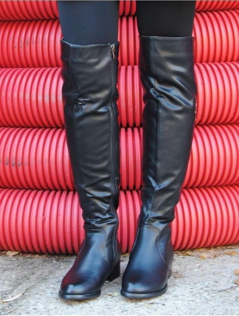 Cizme Dama Lungi Cu Aplicatii Metalice Si Fermoar Negre