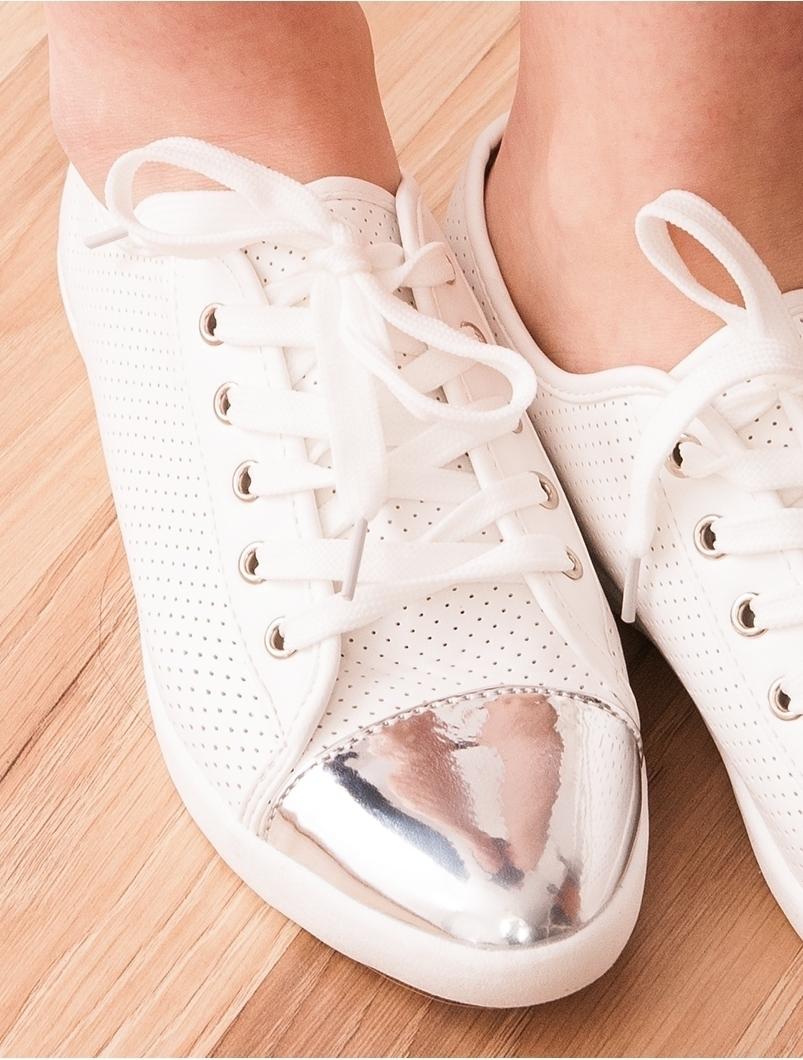 Adidasi Dama Cu Varf Argintiu Gift Albi