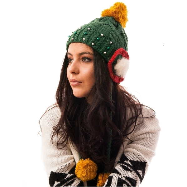 Caciula Tricotata Cu Perlute Si Urechi Verde Si Rosu